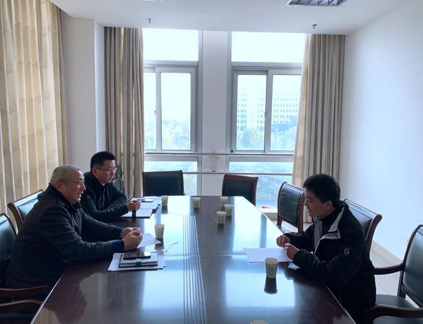 中鑫公司党支部同金土地入党申请人开展谈心谈话活动